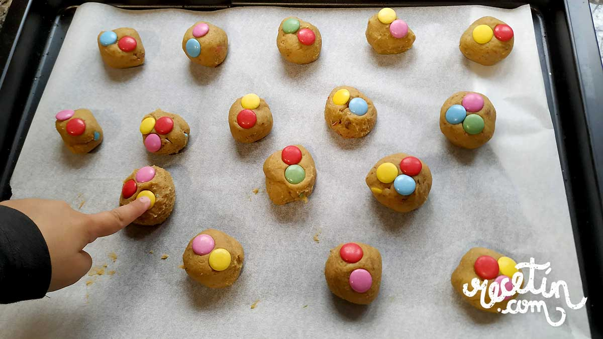 galletas de mantequilla con lacasitos