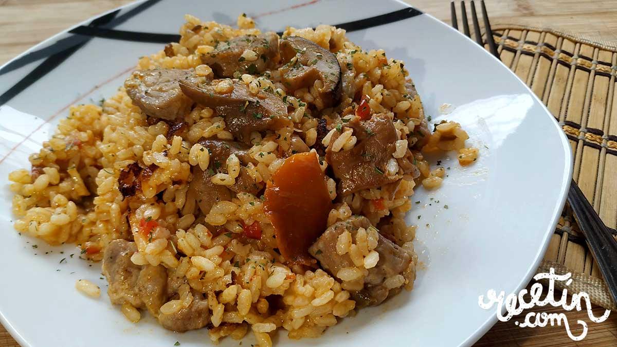 arroz de chuletas de aguja y setas
