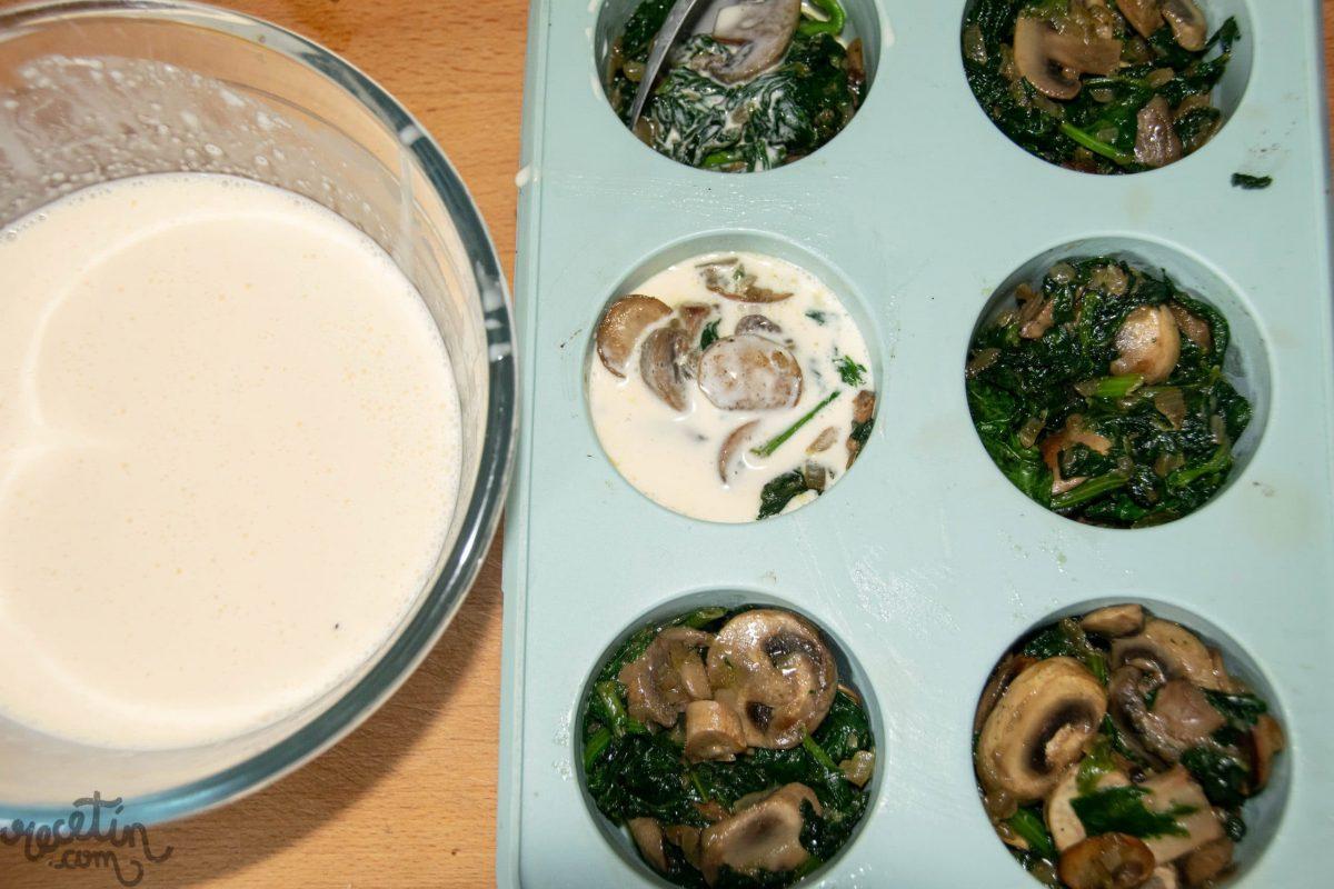 Muffins de espinacas con champiñones
