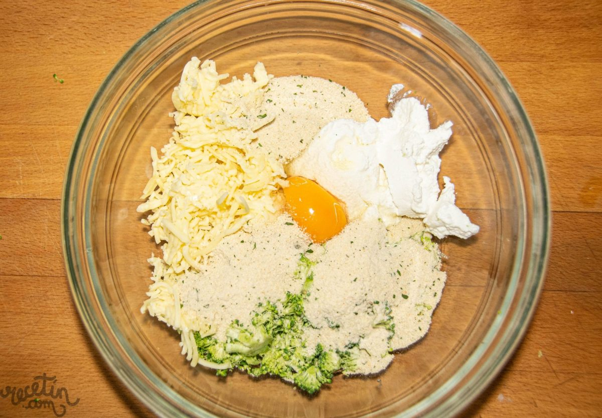 Croquetas al horno de brócoli y queso