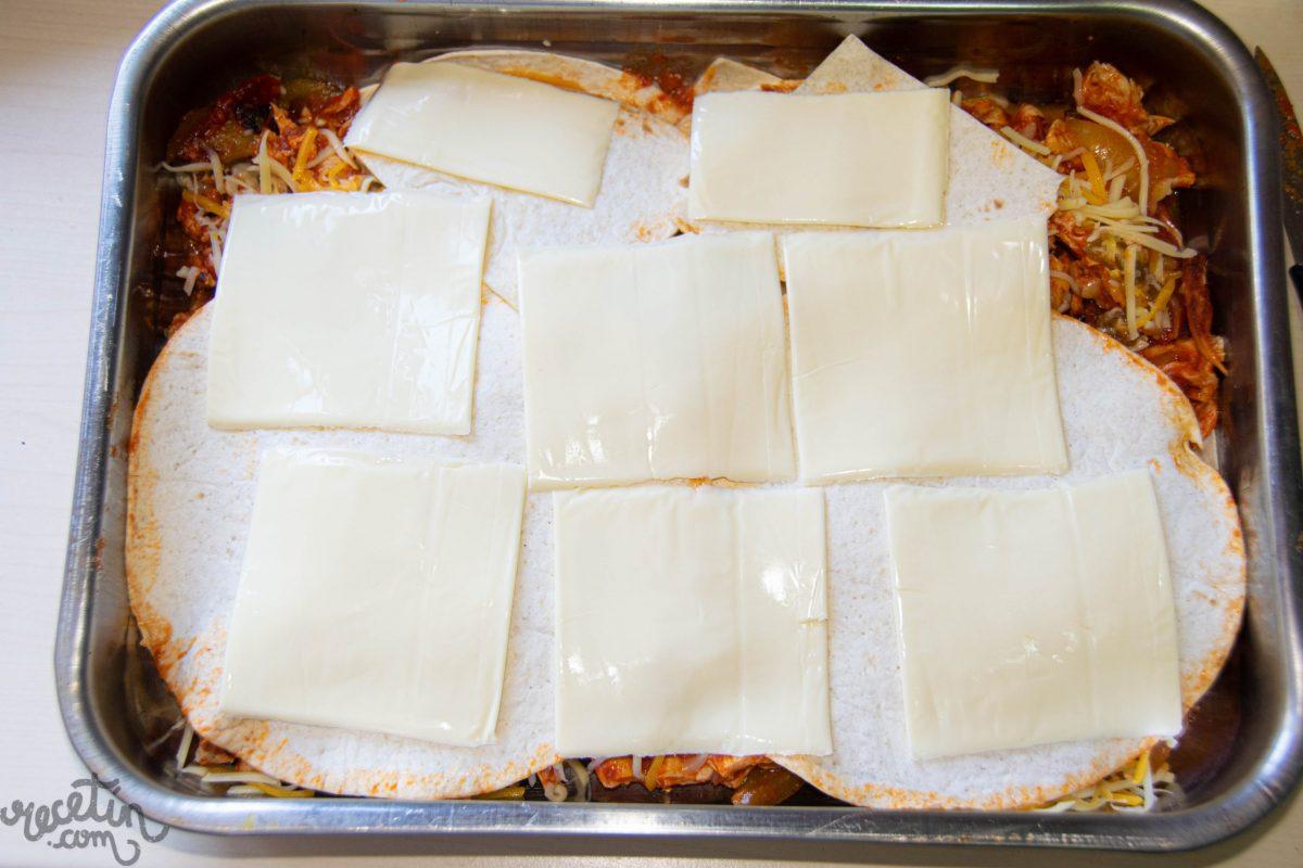 Lasaña de quesadillas con pollo