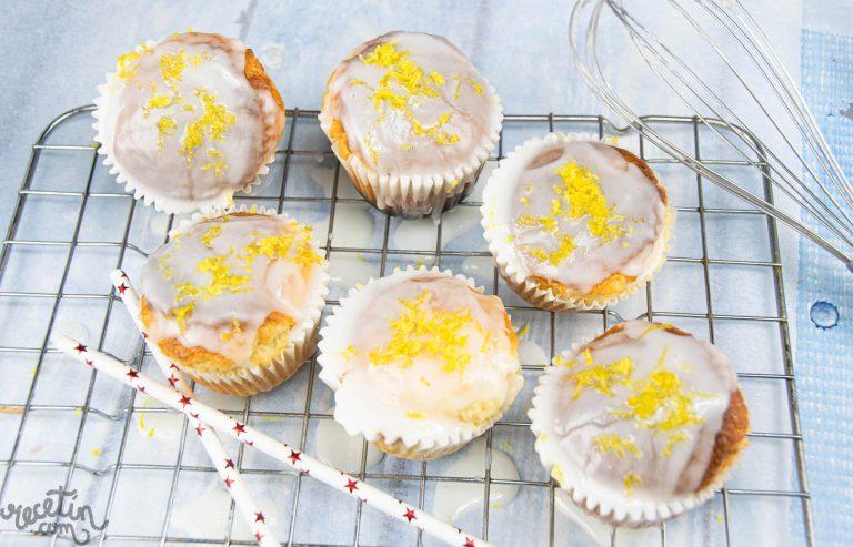 Muffins de limón glaseados